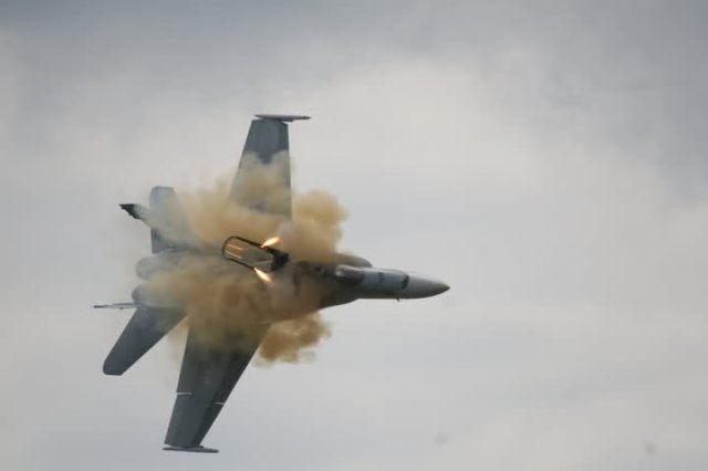 F-18 Crash, Canadian CF18 Crash, Alberta Airshow, Capt. Brian Bews, F18 Crash July 2010, The Canadian Press, Lethbridge Herald, Ian Martens